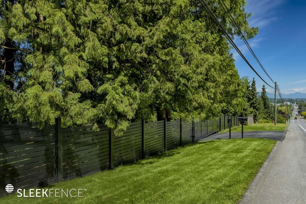 Horizontal screen fence canada