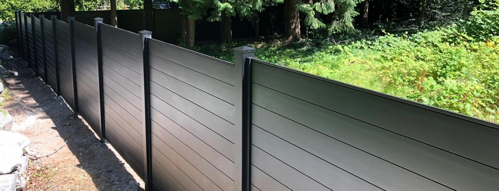 aluminum-privacy-fence-black-modern-fencing